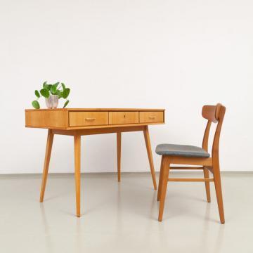 50er Jahre Schreibtisch mit drei Schubladen