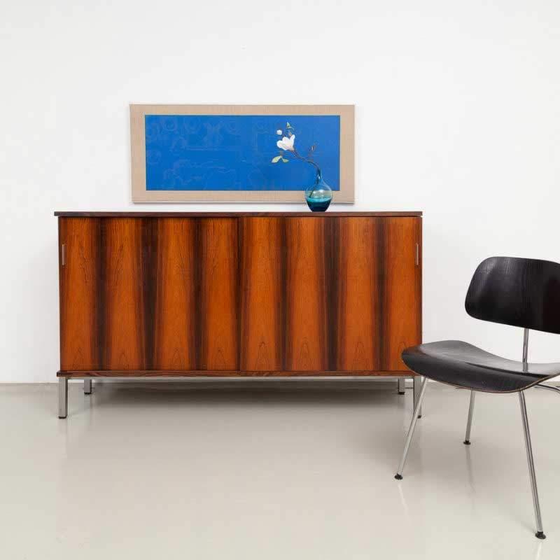 60er Jahre Palisander Sideboard mit Schiebetüren