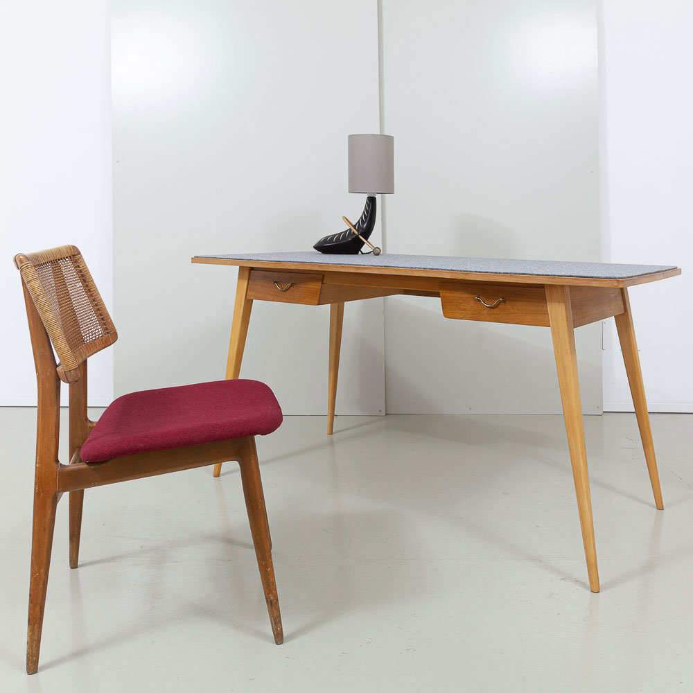 50er Jahre Schreibtisch Nussbaum