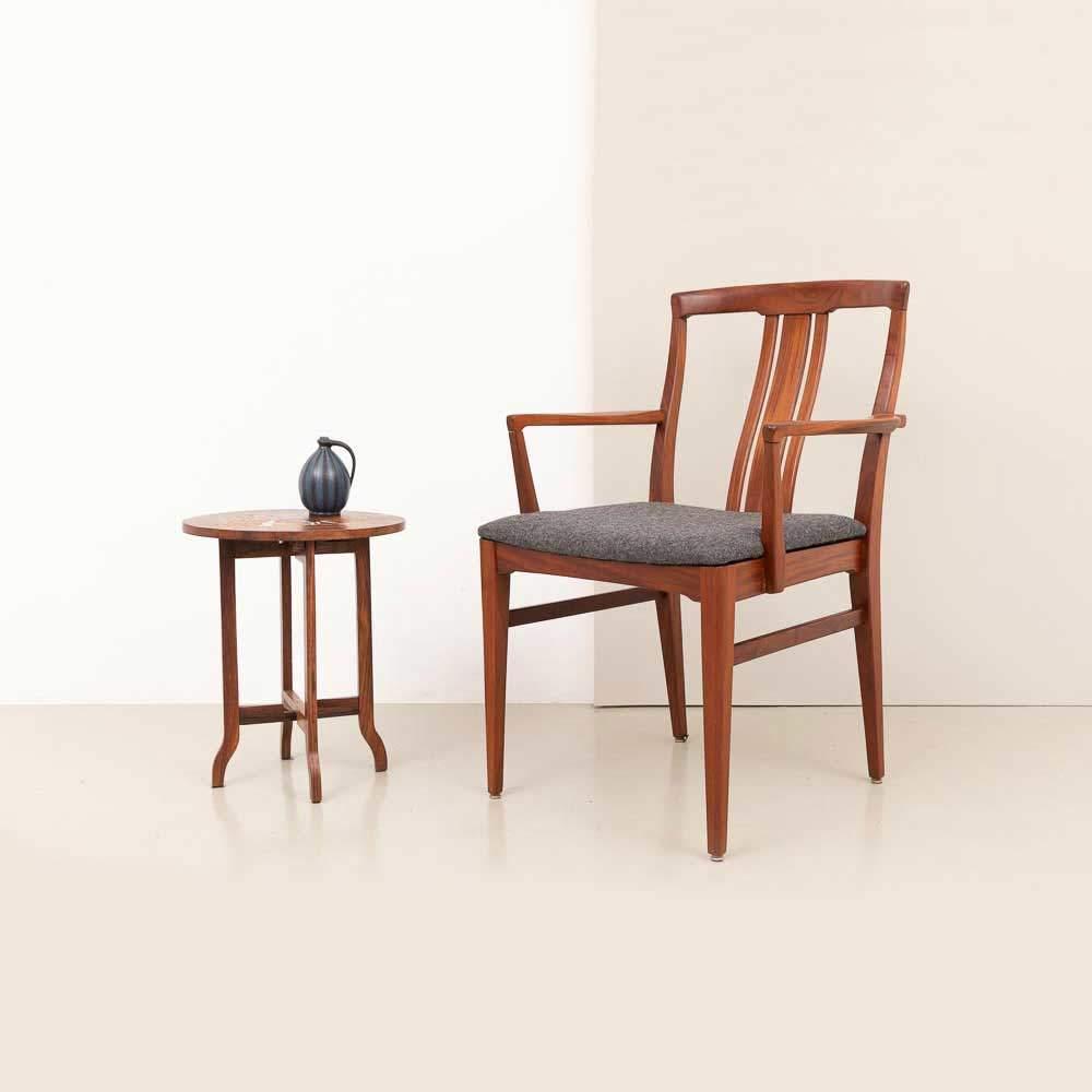 1960er Jahre Teak Armlehnstuhl und Beistelltisch